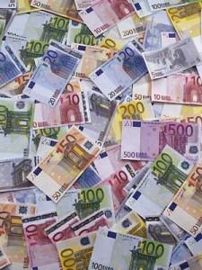 euro-money-pile1